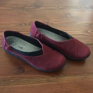 Size 8 Red Clarks Sidesteppers, Sillian Jetay